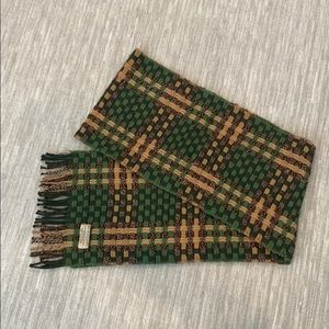 Burberry cashmere green and brown plaid scarf